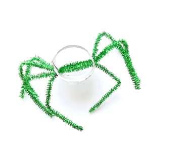 Lustige Spinnen aus Toilettenpapierrollen für Halloween basteln11