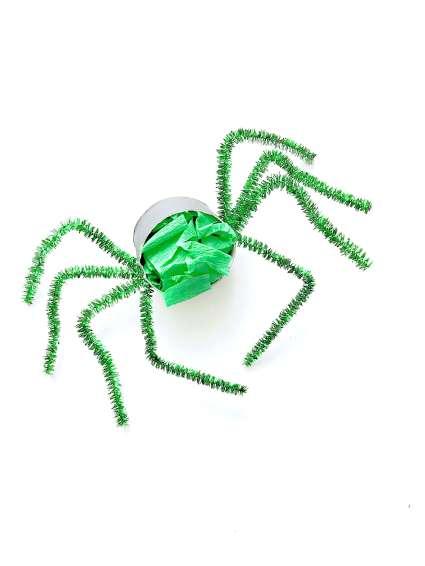 Lustige Spinnen aus Toilettenpapierrollen für Halloween basteln13