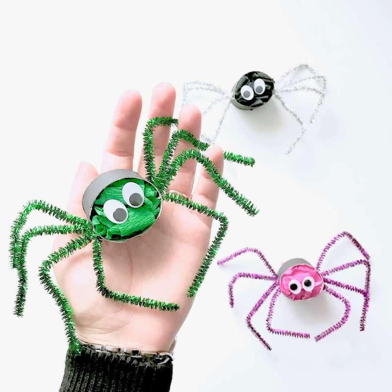 Lustige Spinnen aus Toilettenpapierrollen für Halloween basteln25